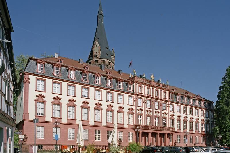 Schloss Erbach über Unser Museum At Museumde