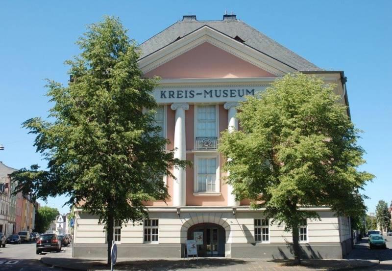 Roentgen Museum Neuwied At Museumde